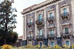 Edificio barroco del estilo en la ciudad de Catania, Sicilia Foto de archivo libre de regalías