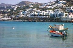 Edificio blanco de la isla griega Imagenes de archivo