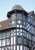 Edificio blanco y negro viejo en Chester Imagenes de archivo