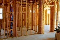 Edificio capítulo u hogar residencial con el cableado eléctrico básico completo Imagen de archivo libre de regalías