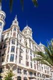 Edificio Carbonell, en historisk byggnad i Alicante, Spanien Byggt i 1918 Royaltyfri Fotografi