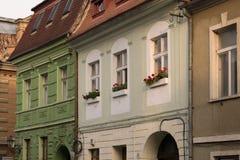 Edificio clásico del estilo arquitectónico en Brasov, Rumania, Transilvania, Europa Fotografía de archivo