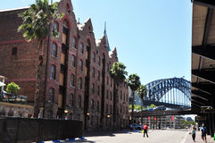 Edificio clásico en la ciudad de las rocas en Sydney Fotos de archivo libres de regalías