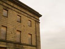 Edificio clásico viejo abandonado Fotos de archivo libres de regalías