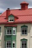 Edificio coloreado de la azotea Imagenes de archivo