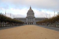 Edificio Columned Imagen de archivo libre de regalías