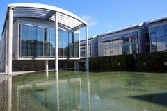 Edificio Columned reykjavik Imágenes de archivo libres de regalías