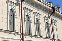 edificio con el ornamento del estuco Fotografía de archivo