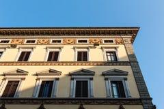 Edificio con la sombra Fotografía de archivo
