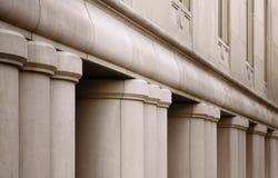 Edificio con las columnas Imagenes de archivo