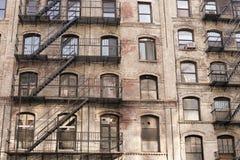 Edificio con las escaleras Fotos de archivo