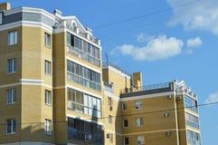 Edificio in condominio fotografia stock libera da diritti