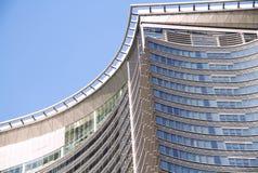 Edificio corporativo contemporáneo Fotografía de archivo libre de regalías
