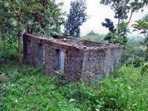Edificio dañado viejo Imagen de archivo libre de regalías