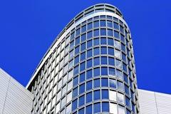 Edificio de Abu Dhabi Fotografía de archivo libre de regalías