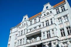 Edificio de apartamentos viejo en Berlín Imagen de archivo libre de regalías