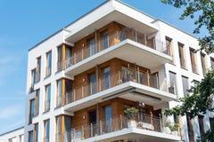 Edificio de apartamentos visto en Berlín imagen de archivo