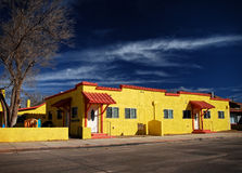 Edificio de apartamentos - Winslow Arizona Winter Foto de archivo