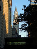 Edificio de Chrysler visto del parque de Bryant imagen de archivo