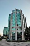 Edificio de cristal del negocio imagenes de archivo