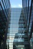 Edificio de cristal hermoso Fotos de archivo libres de regalías