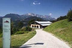 Edificio de Dokumentation Obersalzberg cerca de Berchtesgaden en GE Imagen de archivo libre de regalías