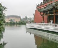 Edificio de Earht en la ciudad antigua del luodai, China imagen de archivo