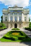 Edificio de la biblioteca de universidad anterior de Varsovia, Polonia fotos de archivo