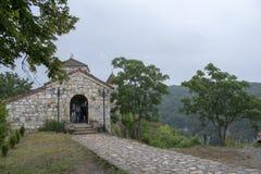 Edificio de la entrada de la iglesia ortodoxa de Kutaisi Georgia Imereti del monasterio de Motsameta imagen de archivo libre de regalías