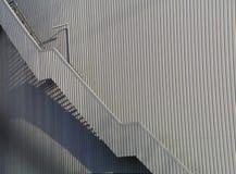 Edificio de la fábrica con la escalera Imagenes de archivo