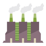 Edificio de la fábrica con las pilas de humo Foto de archivo libre de regalías