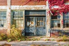 Edificio de la fábrica de Abandone Fotos de archivo
