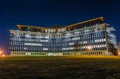 Edificio de la noche Foto de archivo libre de regalías