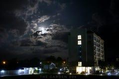 Edificio de la oscuridad Foto de archivo libre de regalías