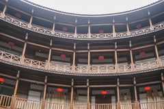 Edificio de la tierra en la ciudad antigua de Luodai, China imagenes de archivo