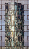 Edificio de la torre del cielo reflejado Imagen de archivo
