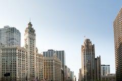Edificio de la torre y de Wrigley de Chicago Tribune fotografía de archivo