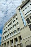 Edificio de la universidad Imagenes de archivo