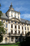 Edificio de la universidad en Wroclaw - Polonia Capital europea de la cultura 2016 fotografía de archivo