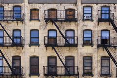 Edificio de la vivienda de Nueva York Imagen de archivo libre de regalías