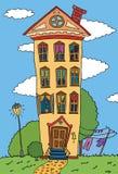 Edificio de la vivienda en césped del verano  Fotos de archivo