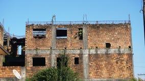 Edificio de ladrillo abandonado Imagen de archivo libre de regalías
