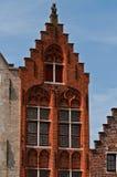 edificio de ladrillo en Brujas   Fotografía de archivo