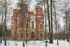 Edificio de ladrillo rojo con cuatro torres Fotos de archivo libres de regalías