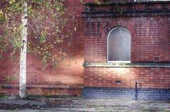 Edificio de ladrillos rojos abandonado en Stockport, Inglaterra, Europa Fotografía de archivo libre de regalías