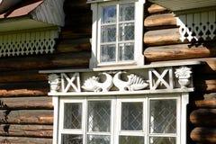 Edificio de madera viejo en la ciudad de Kirillov Fotografía de archivo