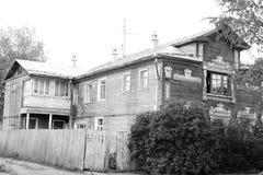 Edificio de madera viejo en la parte central de Vologda Foto de archivo