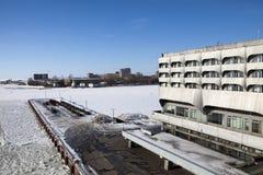 Edificio de Marine Station Sea Port en puerto en St Petersburg, Rusia Fotografía de archivo