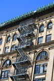 Edificio de Nueva York clásica vieja, Manhattan Imágenes de archivo libres de regalías