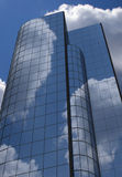 Edificio de oficinas ilustración del vector